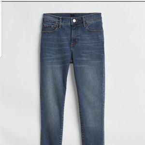 Gap Mid Rise True Skinny Jeans - 30